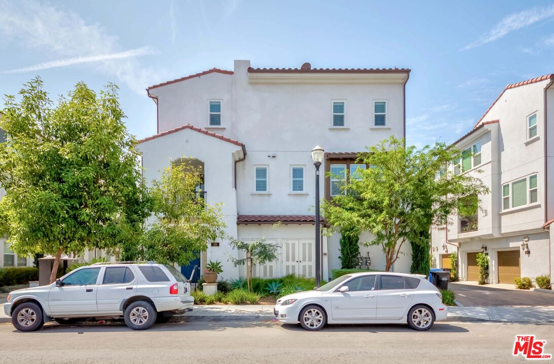 Photo of 8144 3Rd St #101, Downey, CA 90241