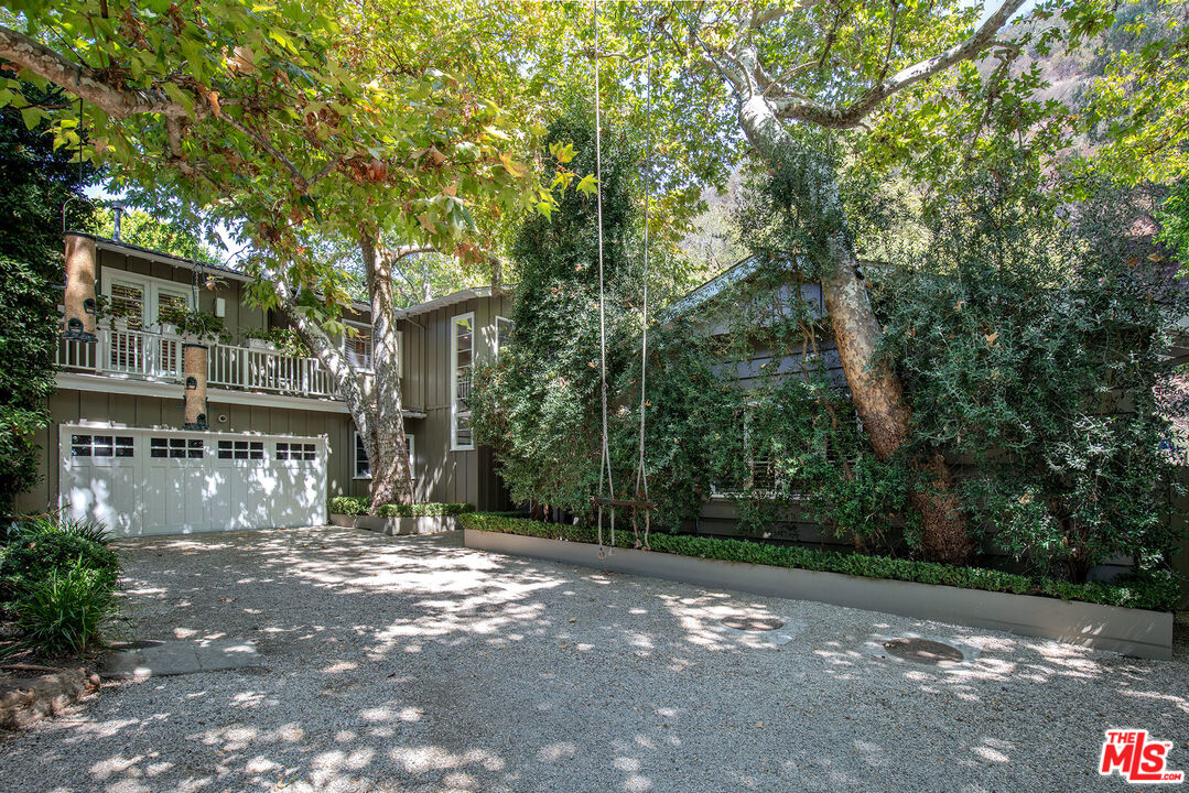 Photo of 3354 Mandeville Canyon Rd, Los Angeles, CA 90049
