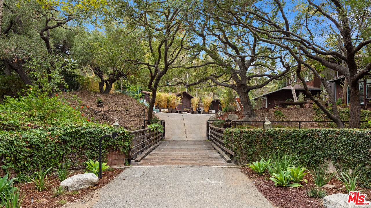 Photo of 14203 W Evans Road Blvd, Pacific Palisades, CA 90272