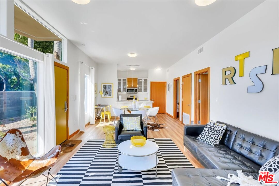 Photo of 501 N San Vicente BLVD, WEST HOLLYWOOD, CA 90048