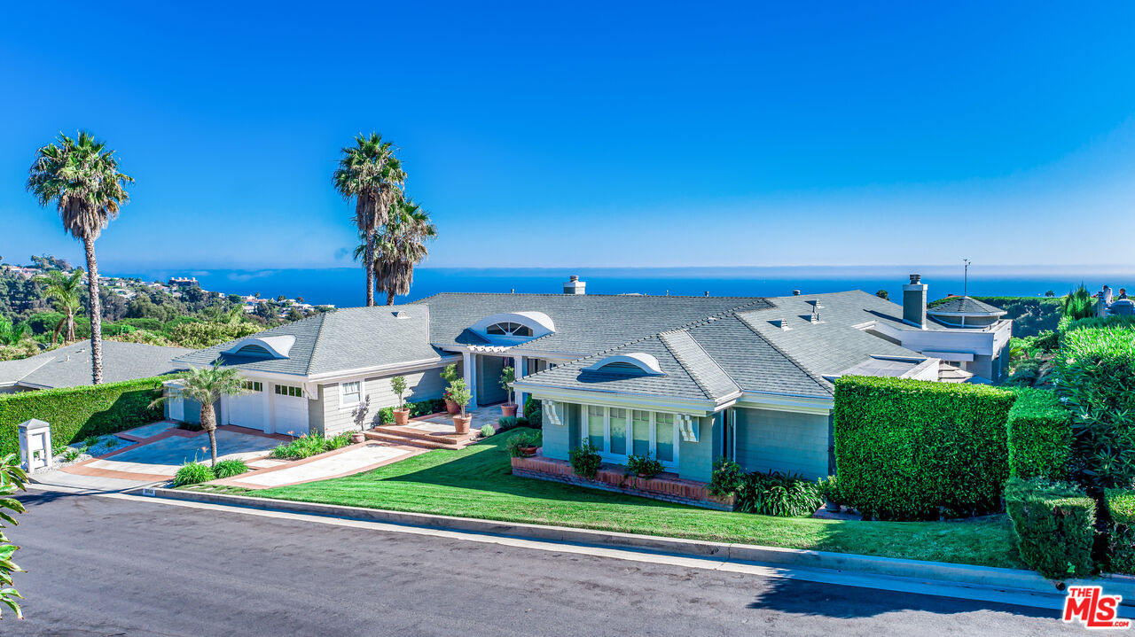 Photo of 18044 Sandy Cape Dr, Pacific Palisades, CA 90272