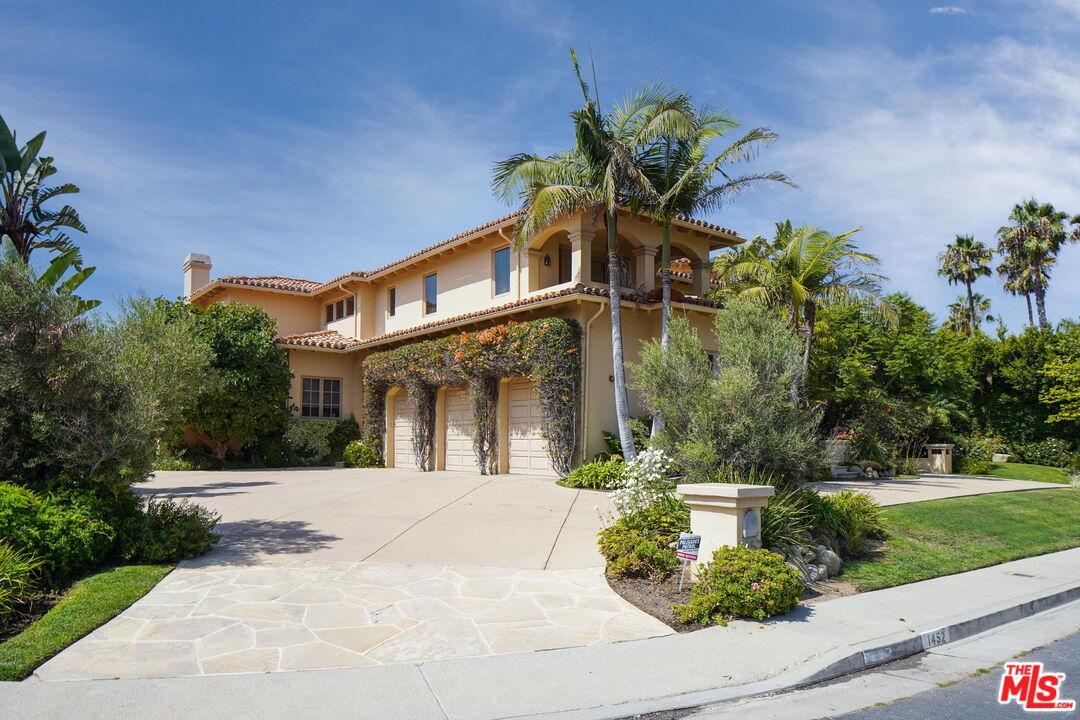 Photo of 1452 Via Cresta, Pacific Palisades, CA 90272