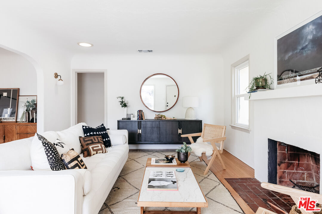 Photo of 2522 Griffith Park Blvd, Los Angeles, CA 90039