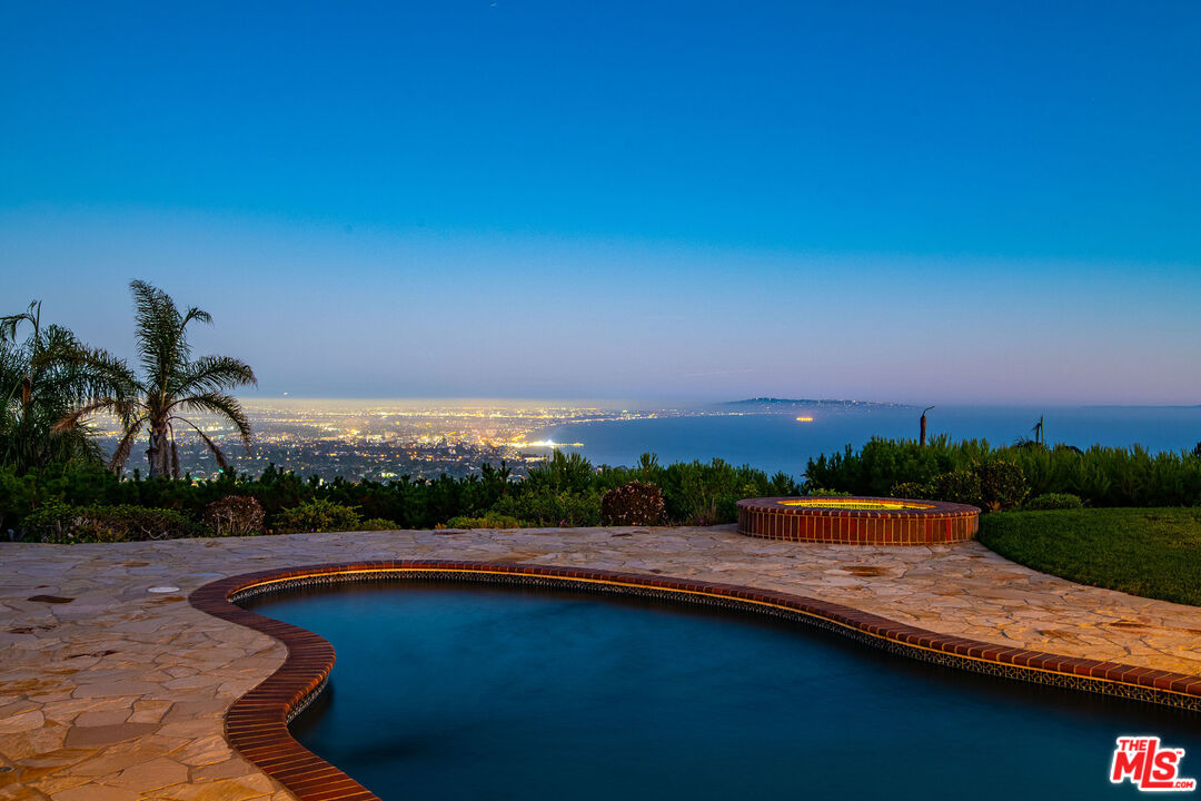 Photo of 1360 Lachman Ln, Pacific Palisades, CA 90272