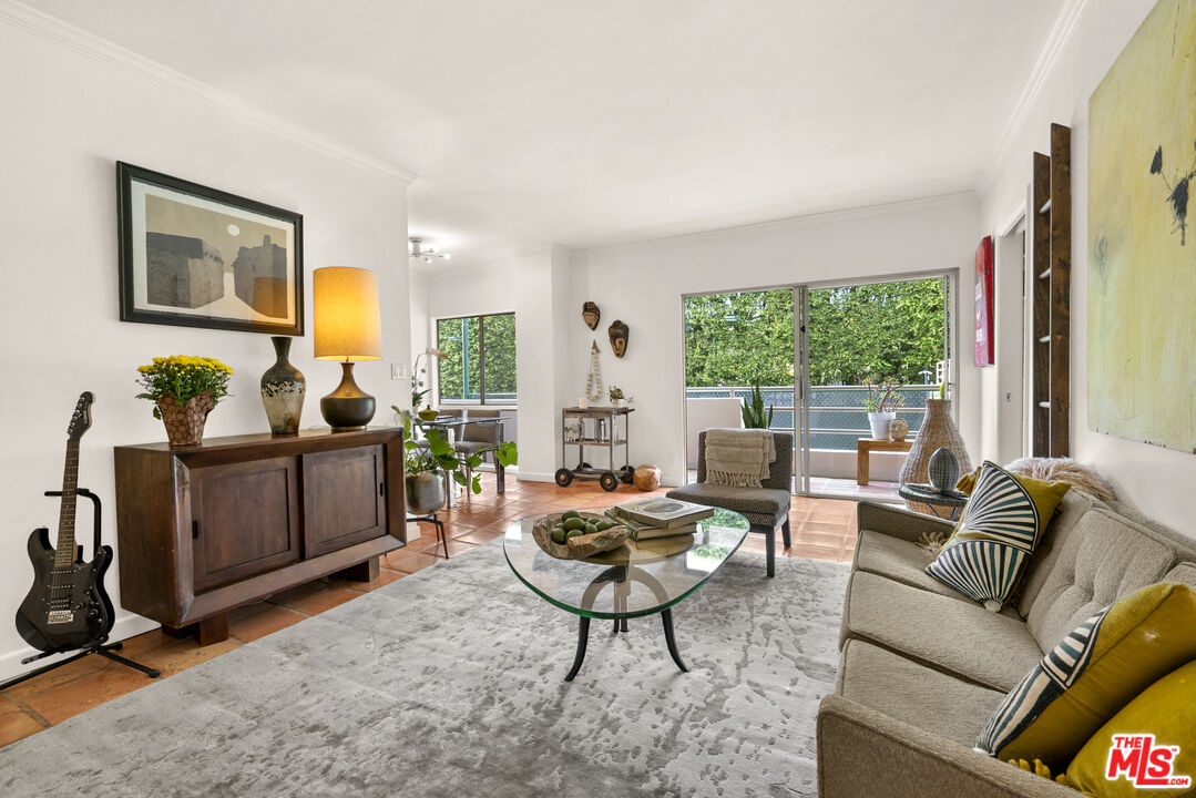 Photo of 1131 Alta Loma Rd #115, West Hollywood, CA 90069