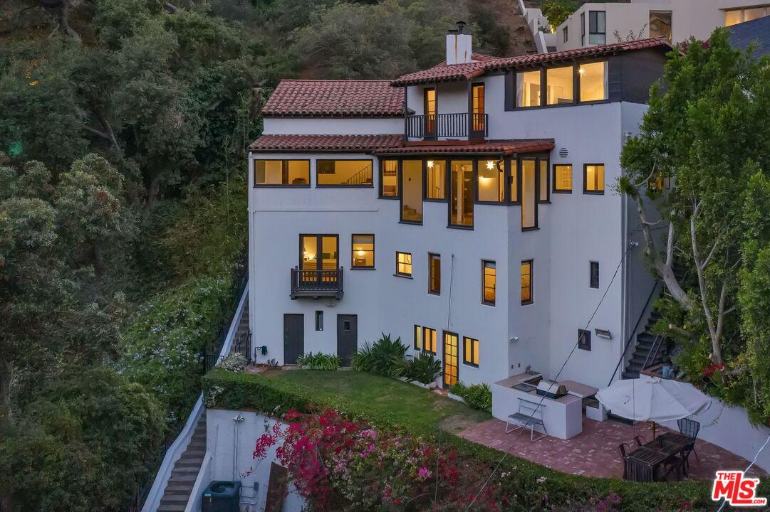 Photo of 2980 Belden Dr, Los Angeles, CA 90068