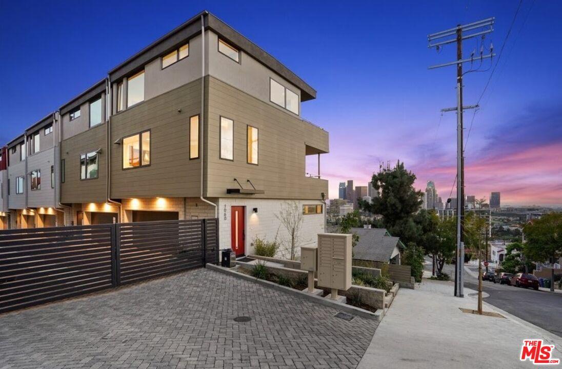 Photo of 1025 N Joels Pl, Los Angeles, CA 90012