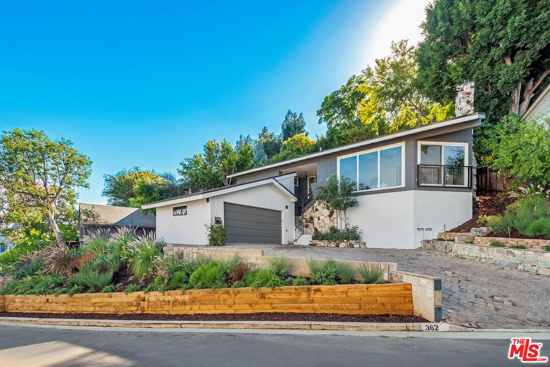 Photo of 3624 Shannon Rd, Los Angeles, CA 90027