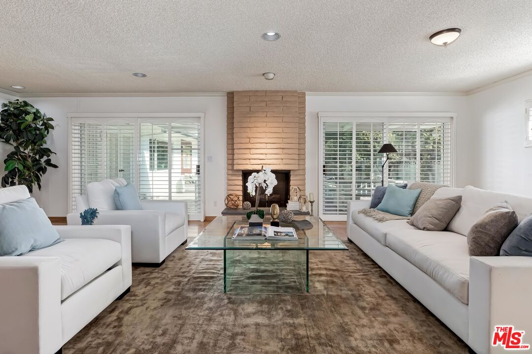 Photo of 2708 S Beverly Dr, Los Angeles, CA 90034
