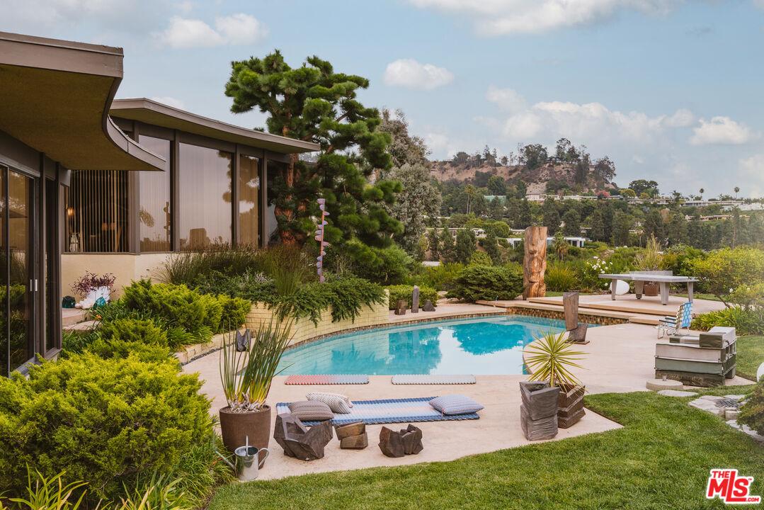 Photo of 1650 Carla Rdg, Beverly Hills, CA 90210