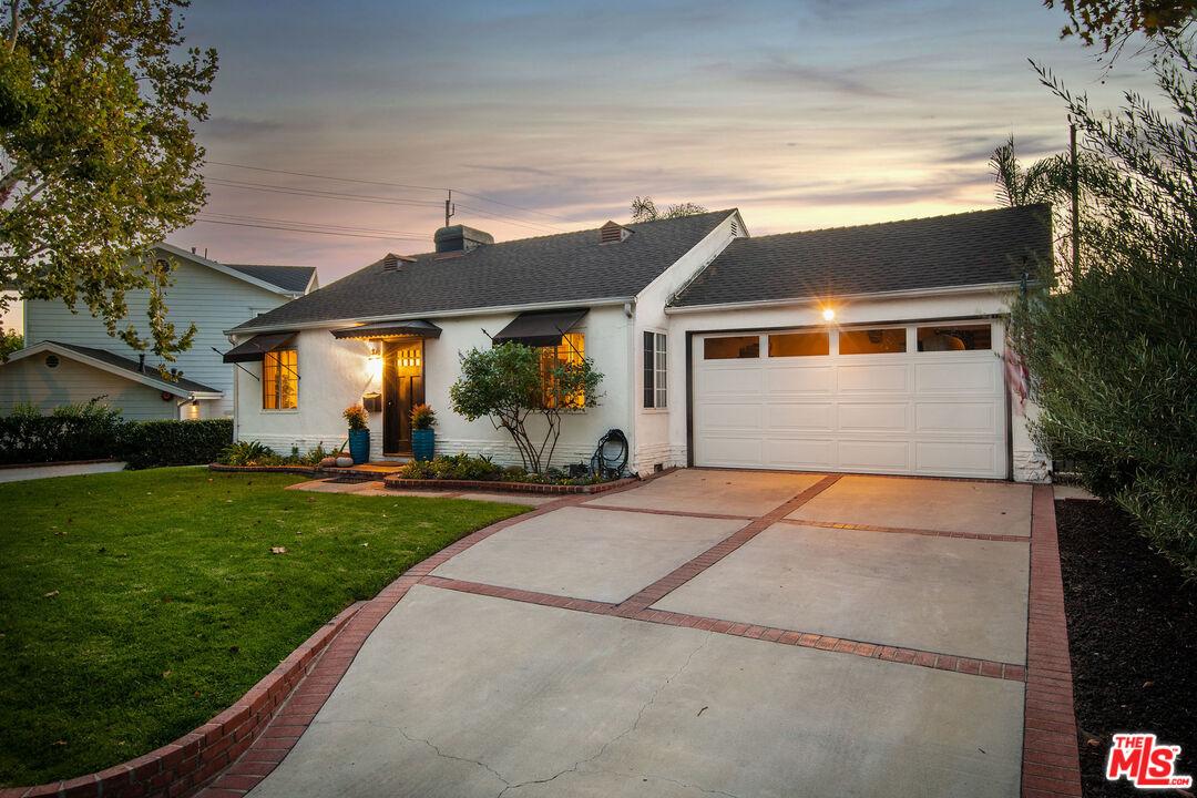 Photo of 607 N Priscilla Ln, Burbank, CA 91505